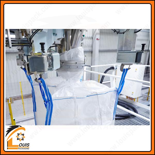 Ống nạp sẽ được lắp vào thiết bị để nạp sản phẩm vào bao jumbo