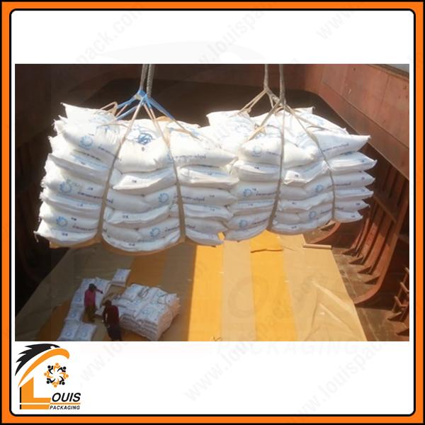 Bạt cẩu là sản phẩm chủ yếu để bốc dỡ các bao gạo, xi măng 50kg xuống tàu