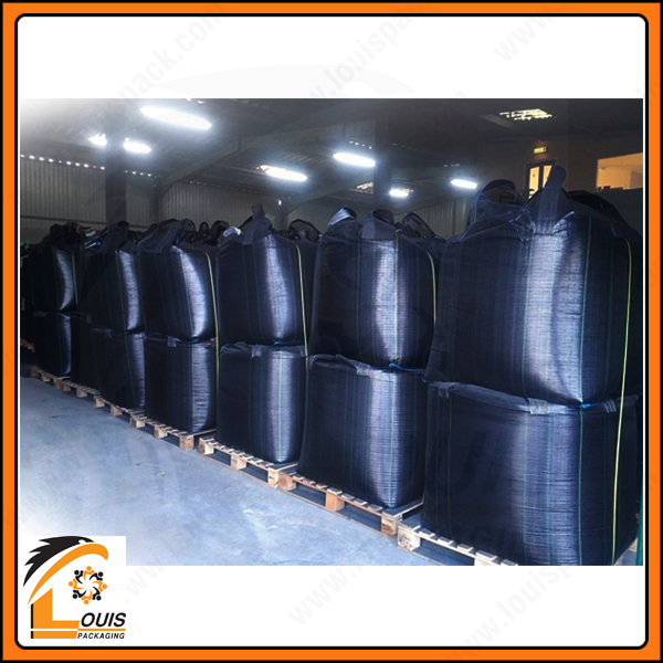 Bao jumbo đen đựng than hoạt tính là giải pháp bao bì chứa đựng hiệu quả để luân chuyển giữa các nhà máy