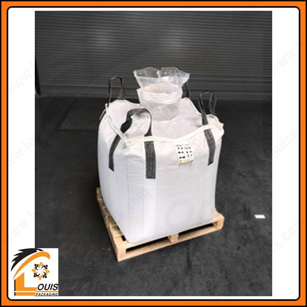 Bao jumbo đựng bột oxit sắt thường được lồng túi PE để chống thấm, chống ẩm